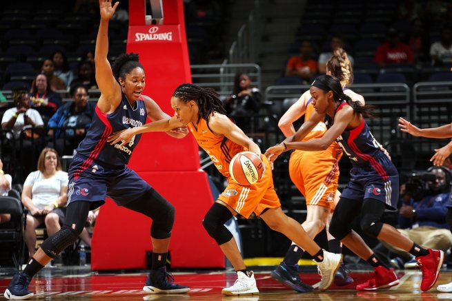WSH Mystics vs. PHO Mercury, Thomas (34) vs. Currie (25) (Foto: wnba.com)