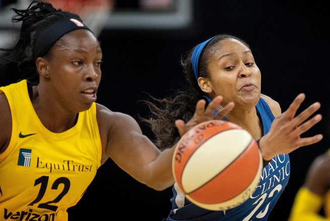 MIN Lynx vs. LA Sparks, Chelsea Gray (12) (Foto: Carlos Gonzalez / Minneapolis Star Tribune)