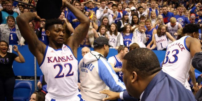 Kansas Jayhakws vs. Kansas State Wildcats (Foto: businessinsider.com)