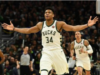 VIDEO: Milwaukee preskočilo Lakers, Antetokounmpo predčil Jamesa