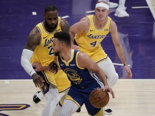 VIDEO: Golden State prekvapilo prvé Lakers, Brooklyn pretlačil Milwaukee